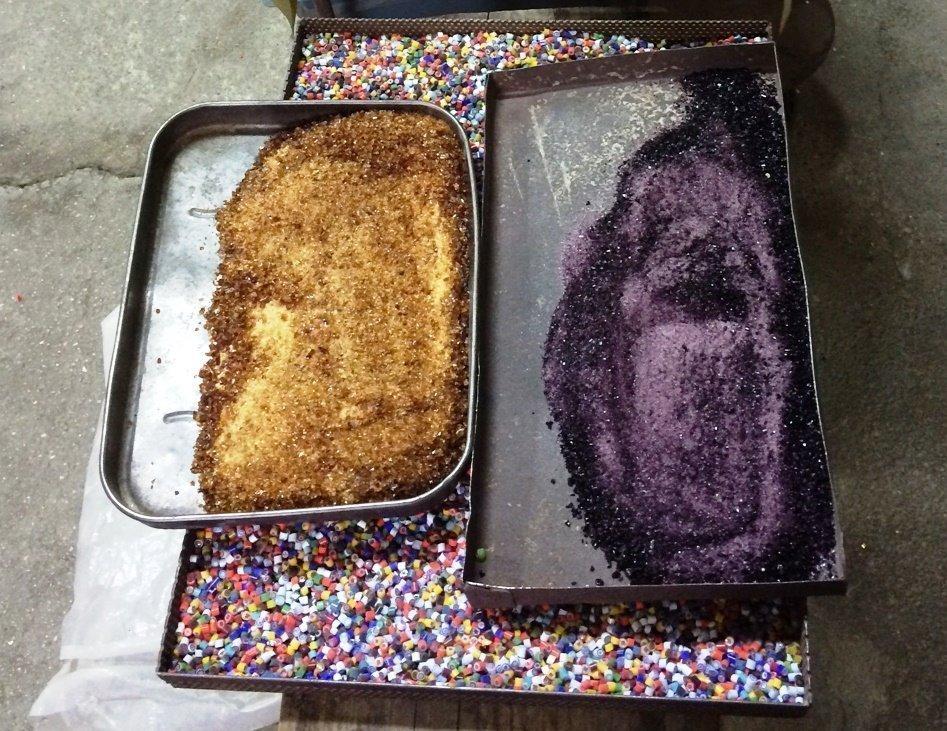 Violet glass powder