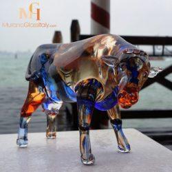 玻璃牛艺术品