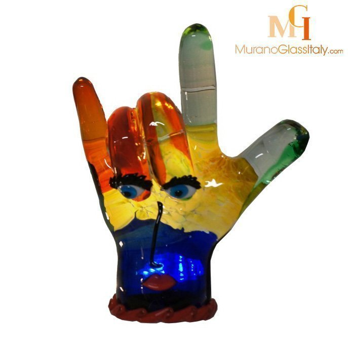 mano sculpture glass