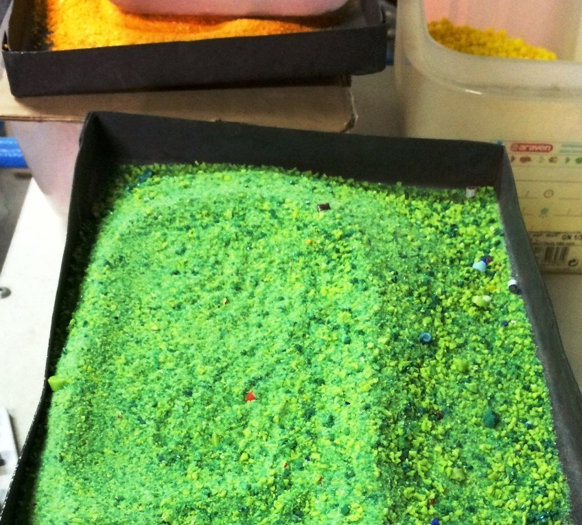 Green glass powder