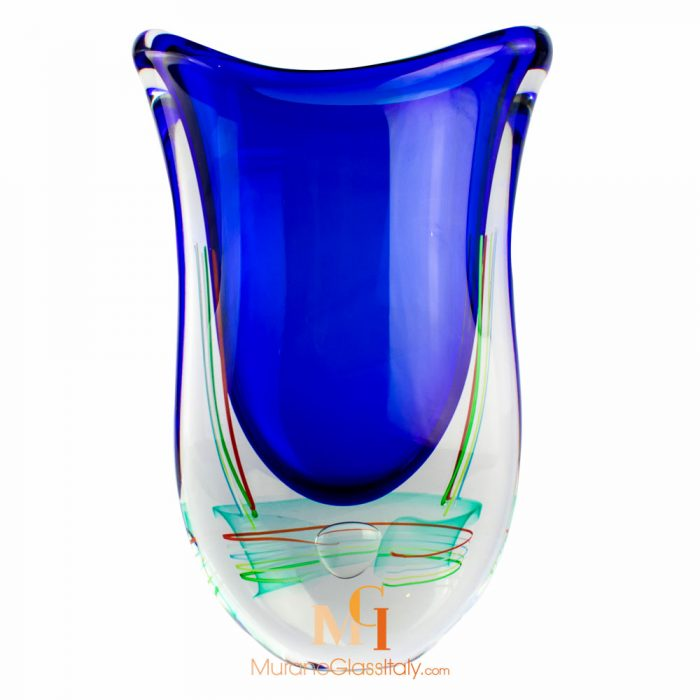 蓝色吹制玻璃花瓶