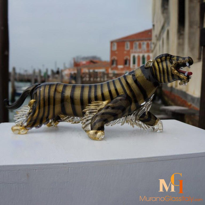 نمر  من زجاج مورانو