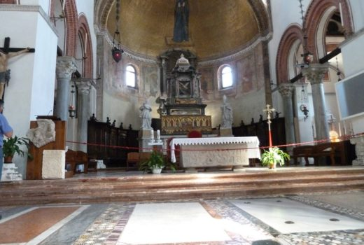 Santa Maria and San Donato - inside (Murano), photography by Abxbay.