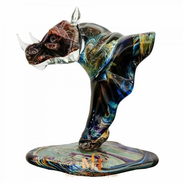 statue rhinocéros design